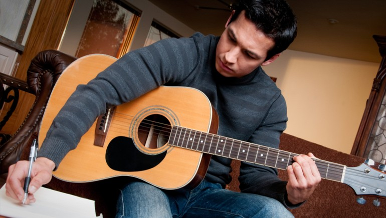 Songwriting guitar Lessons in Lincoln
